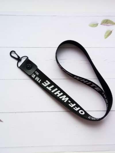 Брендовый брелок на телефон ремешок off-white длинный черный. Фото товара, вид 1