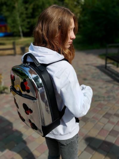 Фото товара: шкільний рюкзак 211501 срібло. Вид 3.