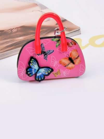 Брендовый брелок сумочка с бабочками малиновая. Фото товара, вид 3