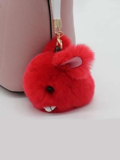 Брендовый брелок кролик меховый с ремешком красный. Фото товара, вид 3