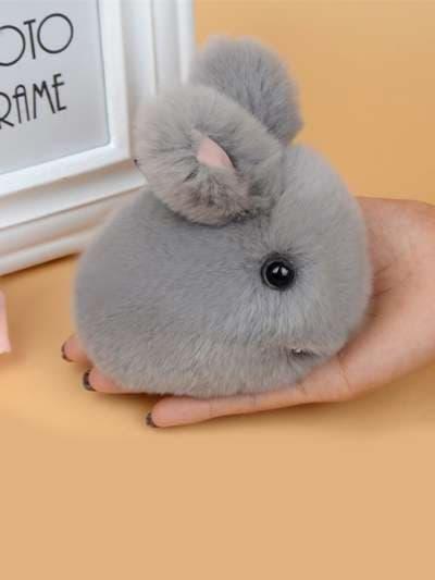 Модный брелок кролик меховый с ремешком серый. Фото товара, вид 3