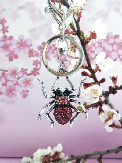 Модний брелок павук нікель в стразах червоний. Фото товару, вид 2