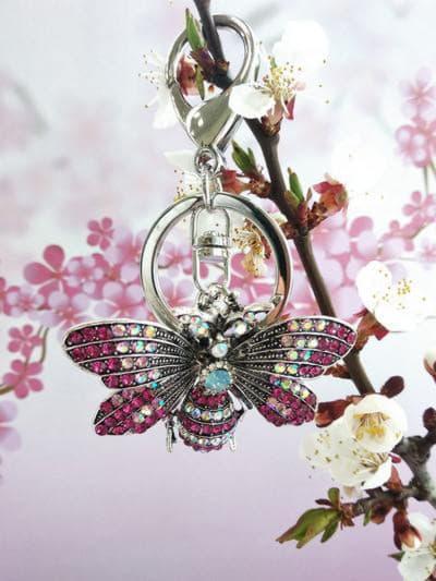 Модный брелок бабочка никель в стразах розовый. Фото товара, вид 2