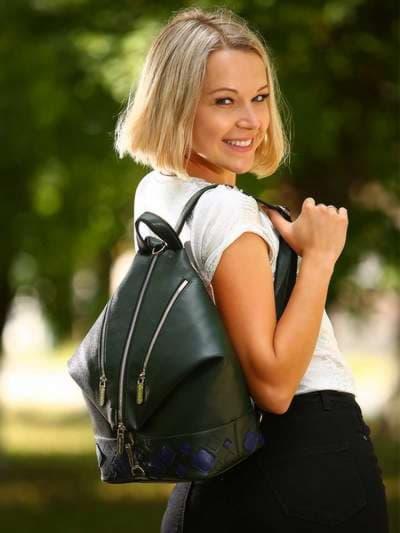 Брендовый рюкзак, модель 181403 темно-зеленый. Фото товара, вид спереди._product-ru