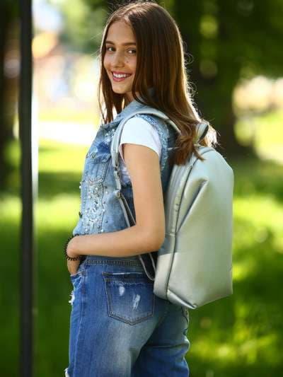Школьный рюкзак, модель 181451 серебро. Фото товара, вид спереди._product-ru