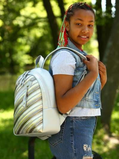 Модный рюкзак, модель 181463 серебро. Фото товара, вид спереди._product-ru