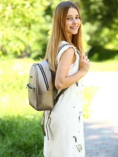 Модный рюкзак, модель 181522 бронза. Фото товара, вид спереди._product-ru