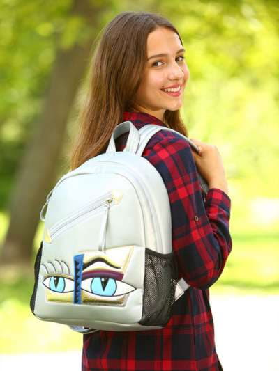Школьный рюкзак, модель 181541 серебро. Фото товара, вид спереди.