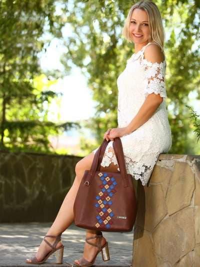 Молодежная сумка, модель 181417 коричневый. Фото товара, вид спереди._product-ru