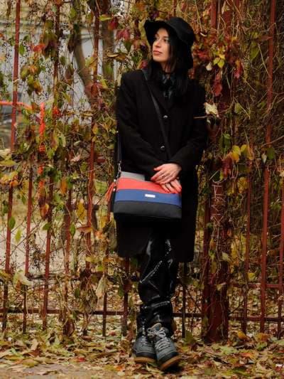 Стильная сумка, модель 181821 черный. Фото товара, вид сбоку.