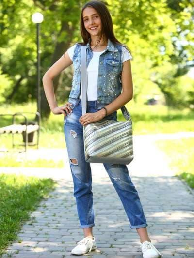 Стильная сумка через плечо, модель 181483 серебро. Фото товара, вид спереди.