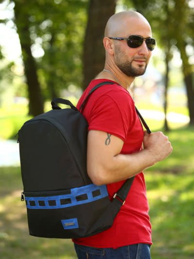 Школьный рюкзак - unisex, модель 181603 черно-синий. Фото товара, вид спереди.