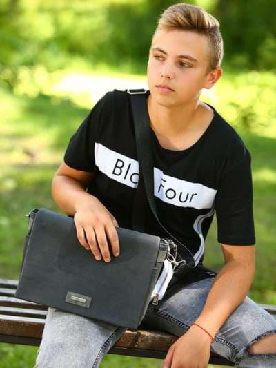 Школьная сумка, модель 181634 черный. Фото товара, вид спереди._product-ru