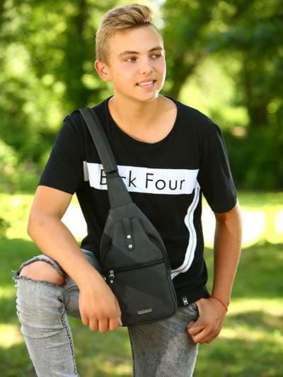 Школьный моно рюкзак, модель 181651 черный. Фото товара, вид спереди._product-ru