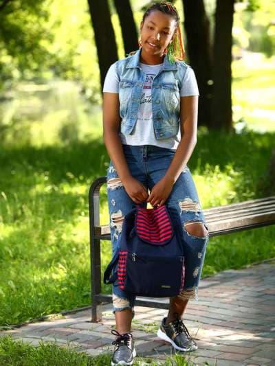 Женский рюкзак, модель 183812 синий/красная полоса. Фото товара, вид спереди.