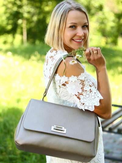 Стильная сумка-портфель, модель 181532 бронза. Фото товара, вид сбоку.