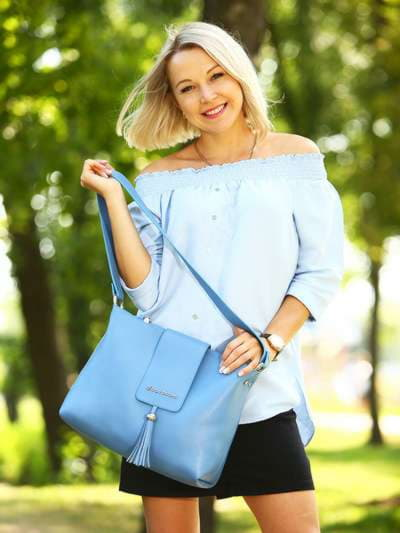 Молодежная сумка, модель E18034 голубая волна. Фото товара, вид сбоку.