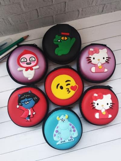 Модный чехол для наушников круглый котенок лиловая дымка. Фото товара, вид 3