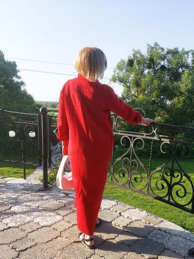 alba soboni. Лляна сукня - сорочка червона. Вид 4.