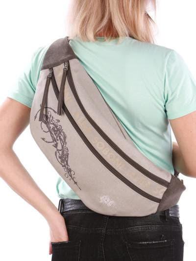 Літня сумка через плече, модель 190092 світло-сірий. Фото товару, вид ззаду.