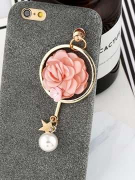Молодежный брелок-подвеска на телефон цветок розовый в кольце золото. Изображение товара, вид 2