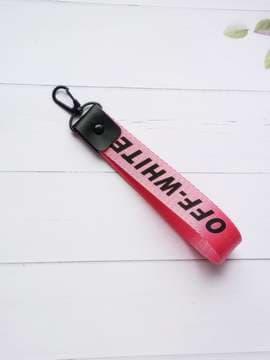 Молодежный брелок на телефон ремешок off-white розовый. Изображение товара, вид 1
