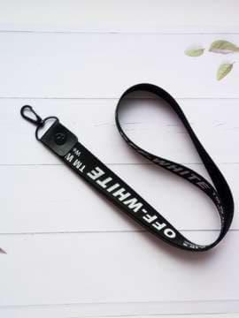 Брендовый брелок на телефон ремешок off-white длинный черный. Изображение товара, вид 1