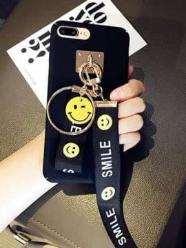 Брендовый брелок на телефон ремешок smile длинный черный. Изображение товара, вид 2