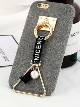 Стильный брелок-подвеска на телефон треугольник с жемчужиной золото. Изображение товара, вид 1