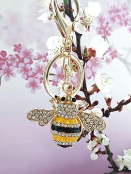 Молодіжний брелок бджола із стразами золото. Зображення товару, вид 1