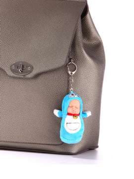 Брендовый брелок кукла плюшевая голубая. Изображение товара, вид 2