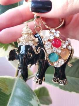 Модный брелок слон черный золото. Изображение товара, вид 2