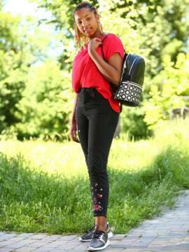 Женский рюкзак, модель 181432 черный. Изображение товара, вид спереди.