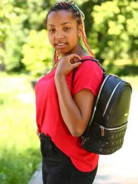 Модный рюкзак, модель 181434 черный. Изображение товара, вид спереди.