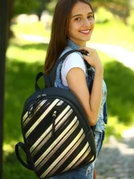 Стильний рюкзак з вышивкою, модель 181461 чорний. Зображення товару, вид спереду.