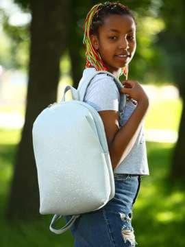 Женский рюкзак, модель e18123 серебро. Изображение товара, вид спереди.