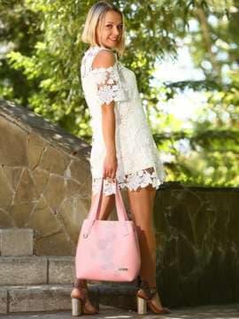 Молодежная сумка с вышивкой, модель 181415 пудрово-розовый. Изображение товара, вид спереди.