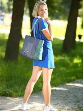 Молодежная сумка с вышивкой, модель 183863 серо-зеленый. Изображение товара, вид спереди.