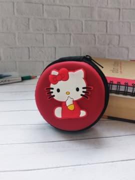 Молодежный чехол для наушников круглый котенок красный. Изображение товара, вид 1