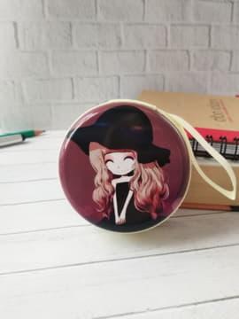 Стильный чехол для наушников с девочкой аниме в венку розовый. Изображение товара, вид 3