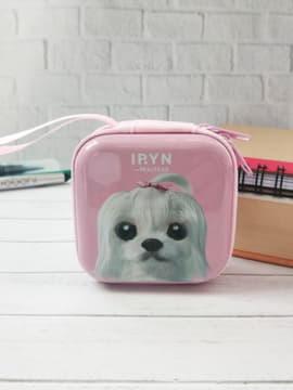 Брендовый чехол для наушников щенок iryn квардатный розовый. Изображение товара, вид 1