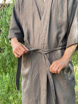 Фото товара: мужской льняной халат