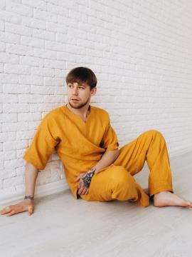 Фото товара: чоловічі лляні штани гірчичні. Вид 2.