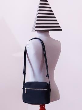Фото товара: сумка через плечо MAN-006-2 черный. Вид 1.
