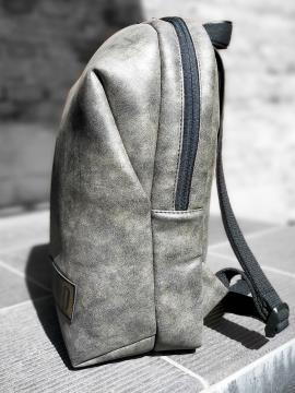 Фото товара: рюкзак MAN-001-6 темно-сірий-нікель. Вид 2.