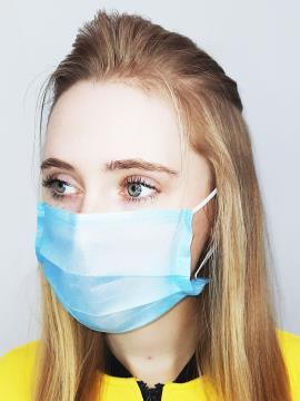 Фото товара: маска тришарова 001 блакитний. Вид 2.