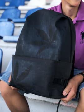 Модний рюкзак, модель 191613 чорний. Зображення товару, вид спереду.