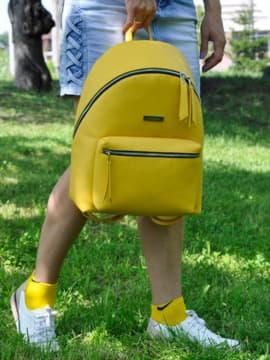 Модный рюкзак, модель 191733 желтый. Изображение товара, вид спереди.