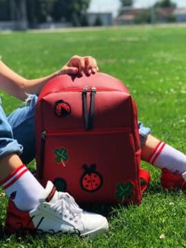 Модный рюкзак с вышивкой, модель 191772 красный. Изображение товара, вид спереди.