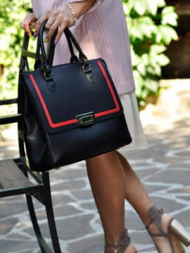 Школьная сумка, модель 191523 черный. Изображение товара, вид спереди.